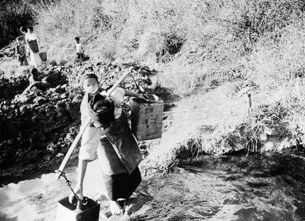 Wall Art - Photograph - China Spring Water, C1940 by Granger