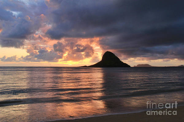 Mokolii Photograph - Chinaman's Hat Mokolii Island Oahu Hawaii by Leslie Kirk