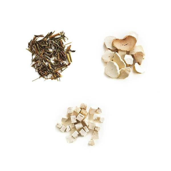 Traditional Chinese Medicine Wall Art - Photograph - Chinese Herbal Medicines by Science Photo Library
