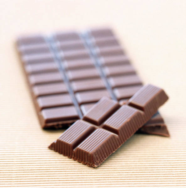 Foodstuff Photograph - Chocolate by William Lingwood/science Photo Library