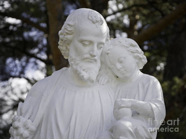 Photograph - Christ With A Child by Les Palenik