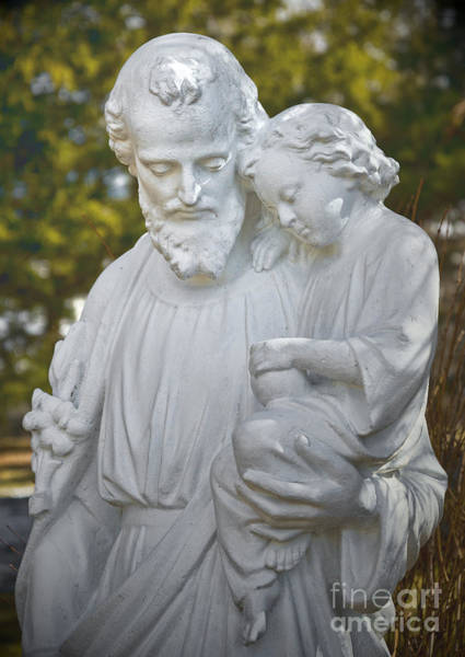 Photograph - Christ With Child by Les Palenik