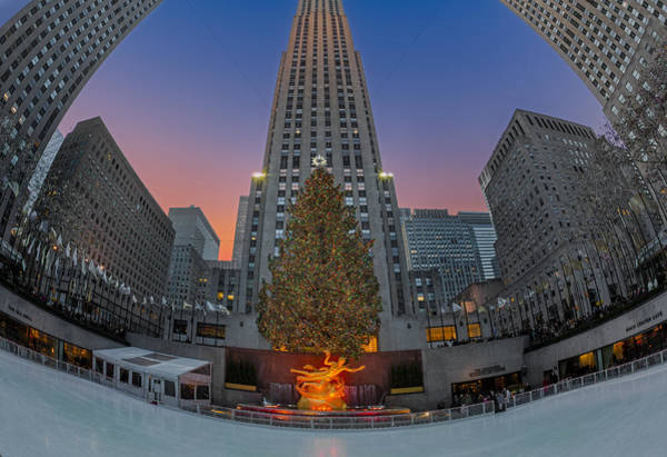 Photograph - Christmas At Rockefeller Center In Nyc by Susan Candelario