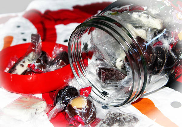 Photograph - Christmas Candy Jar by Cynthia Guinn