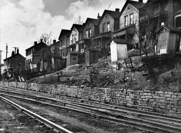 Photograph - Cincinnati Houses, 1935 by Granger