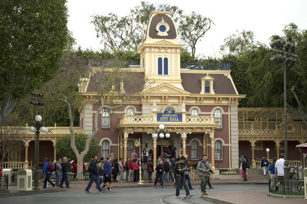 Clothier Photograph - City Hall Main Street Disneyland by Thomas Woolworth
