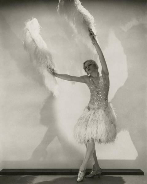 Wall Art - Photograph - Claire Luce Holding Ostrich Feathers by Edward Steichen