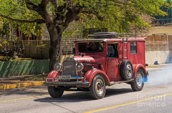 Photograph - Classic Old Ford by Les Palenik