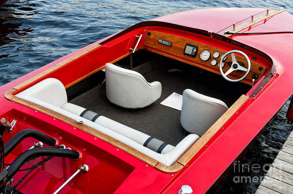 Photograph - Classic Red Boat by Les Palenik