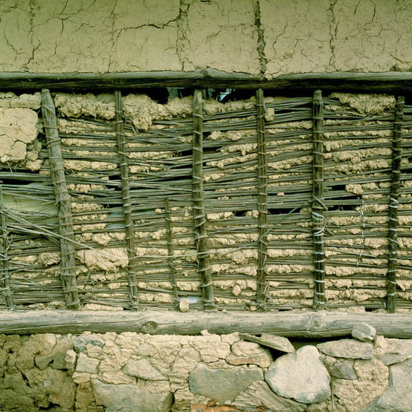 Taiwanese Wall Art - Photograph - Clay And Wood Wall by Mark De Fraeye/science Photo Library