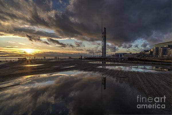 Elliot Bay Wall Art - Photograph - Close To A Beautiful Evening by Mike Reid