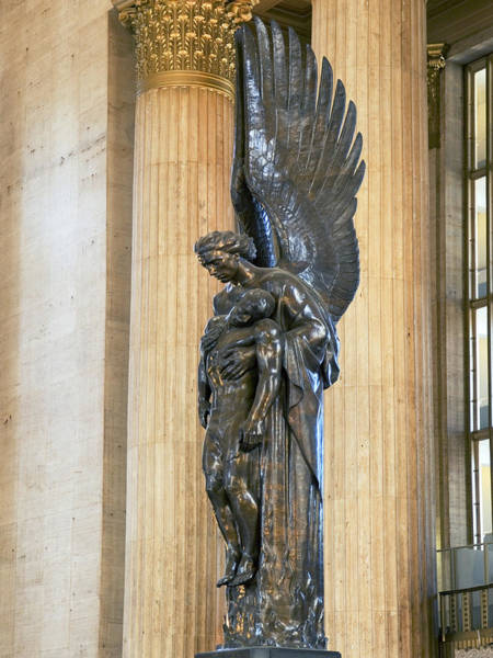 Pennsylvania Station Wall Art - Photograph - Close-up Of A War Memorial Statue by Panoramic Images