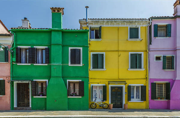 Photograph - Colorful Houses With Bicycle by Roberto Pagani