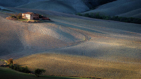 Farmhouse Photograph - Colors Of Tuscany Sunset by Marek Boguszak