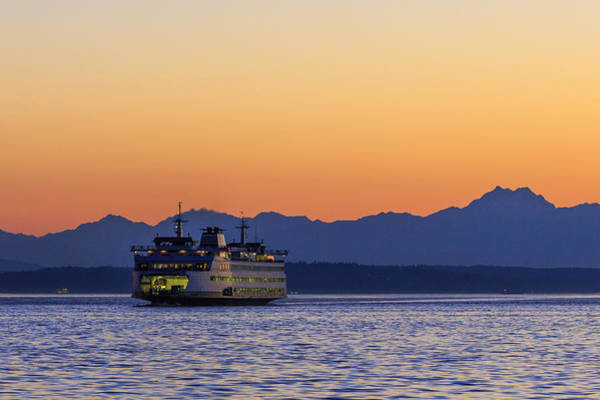 Elliot Bay Wall Art - Photograph - Coming Home by Scott Campbell