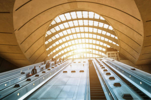 High Dynamic Range Imaging Photograph - Commuter Going To Work At Canary Wharf by Franckreporter