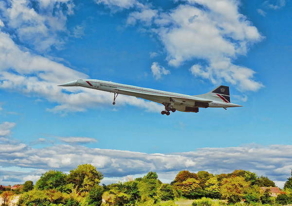 Digital Art - Concorde On Finals by Paul Gulliver