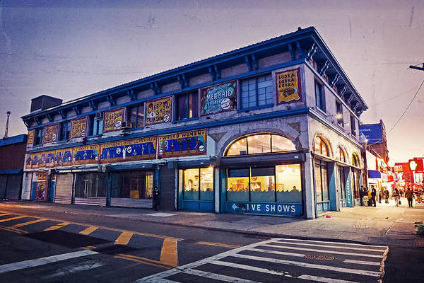 Photograph - Coney Island Museum by Frank Winters