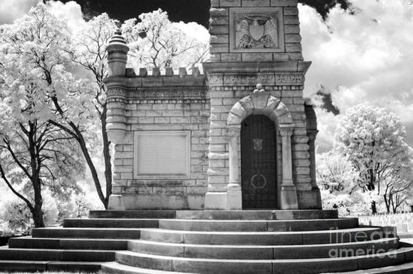 Wall Art - Photograph - Confederate Monument At The Old Gray by Paul W Faust -  Impressions of Light