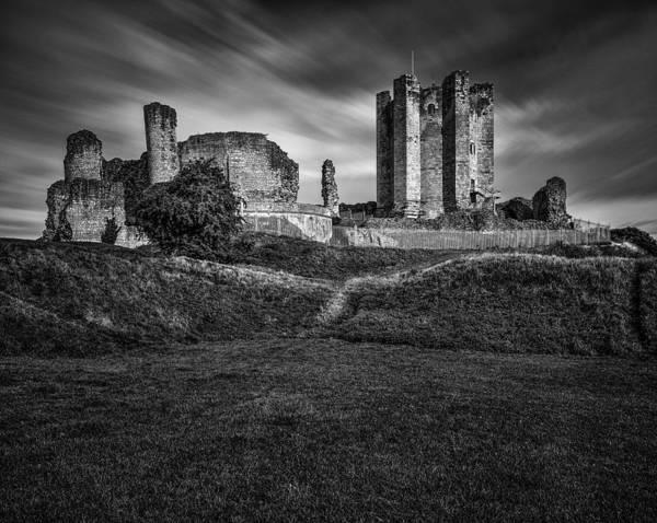 Ivanhoe Photograph - Conisbrough Castle Doncaster by Ian Barber