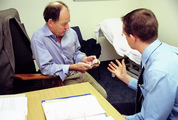 Doctor Office Photograph - Consultation by Antonia Reeve/science Photo Library