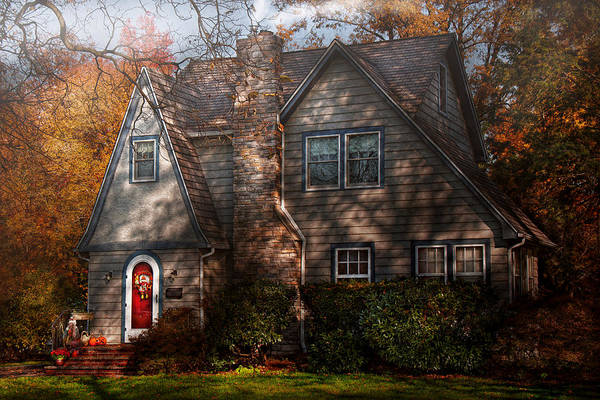 Photograph - Cottage - Cranford Nj - Autumn Cottage  by Mike Savad