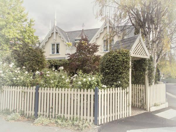 Photograph - Cottage Living by Elaine Teague