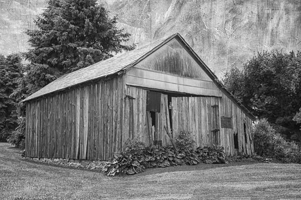 Photograph - Country Barn by Kim Hojnacki