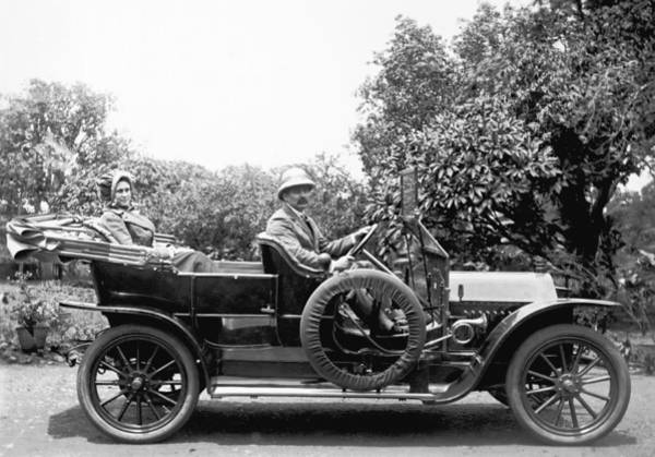 1911 Photograph - Couple In A Car In India by Underwood Archives