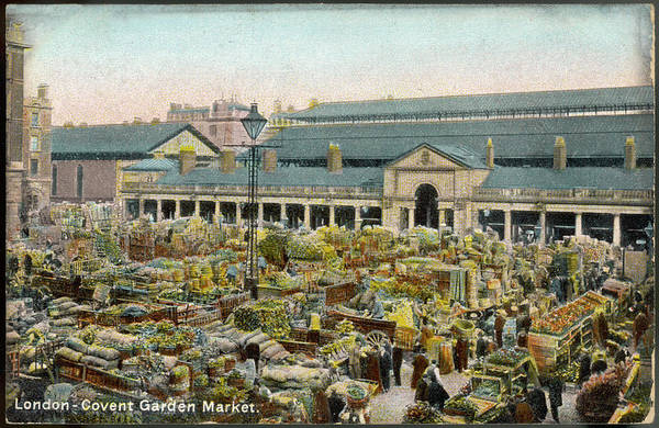 Wall Art - Photograph - Covent Garden On A Busy Day - by Mary Evans Picture Library