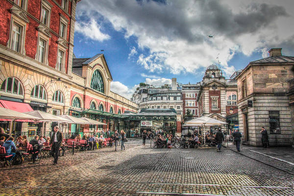 Photograph - Covent Garden by Ross Henton