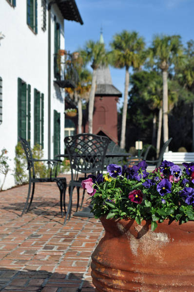 Photograph - Crane Cottage Patio On Jekyll Island by Bruce Gourley