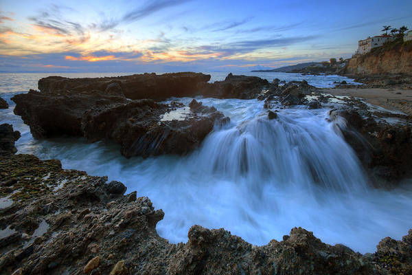Photograph - Crashing Surf Victoria Beach by Cliff Wassmann
