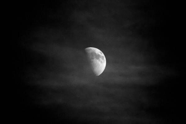 Photograph - Creepy Moon by Goyo Ambrosio