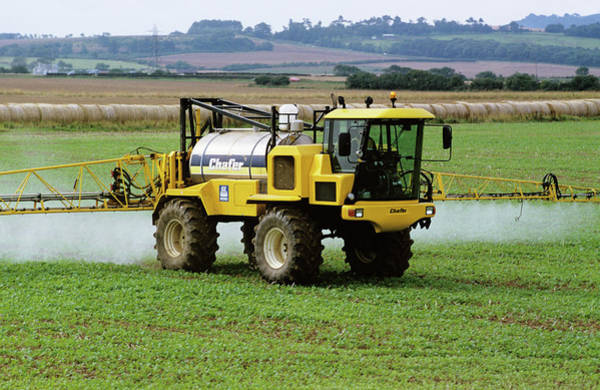 Biological Pest Control Photograph - Crop Spraying by Robert Brook/science Photo Library