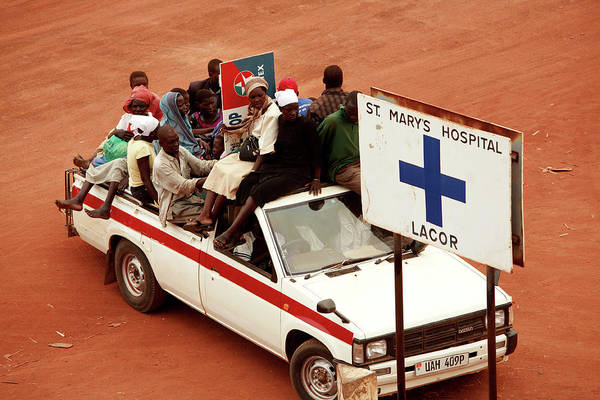 Pickup Man Photograph - Crowded Truck by Mauro Fermariello/science Photo Library