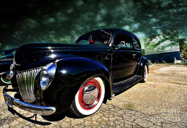 Clear Coat Wall Art - Photograph - Cruising The Theater by Liane Wright