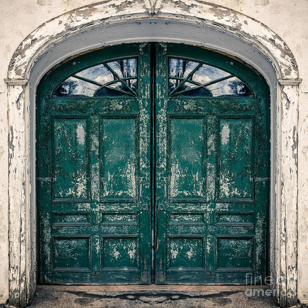Peeling Photograph - Behind The Green Door by Edward Fielding
