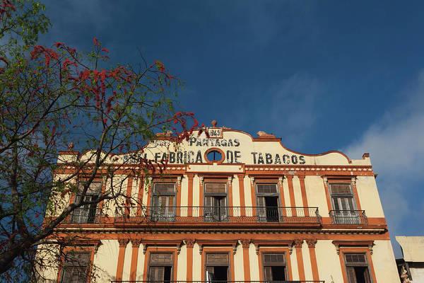 Cuba, Havana, Central Havana Art Print