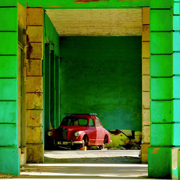 Red Green Photograph - Cuba Impression No.17  (havana, December 25, 2017) by Yawen Wu
