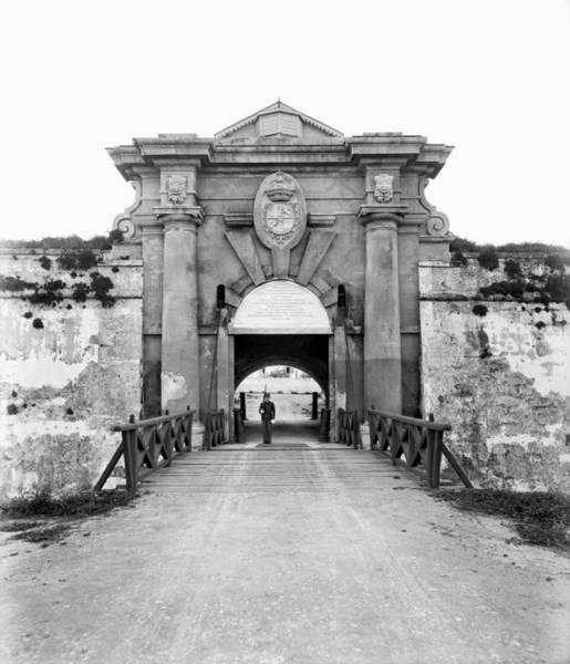 Photograph - Cuba La Caba�a, C1900 by Granger