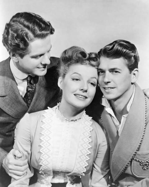 Ronald Reagan Photograph - Cummings, Sheridan And Reagan by Underwood Archives