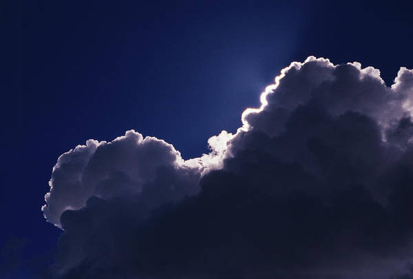 Cumulus Photograph - Cumulus Cloud Covering The Sun by Pekka Parviainen/science Photo Library