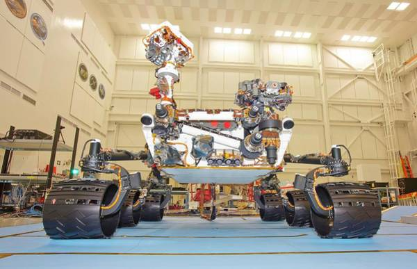 Jet Propulsion Laboratory Photograph - Curiosity Rover by Nasa/jpl-caltech/science Photo Library