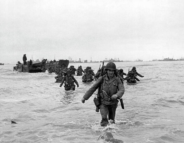 Photograph - D-day Reinforcements by Underwood Archives