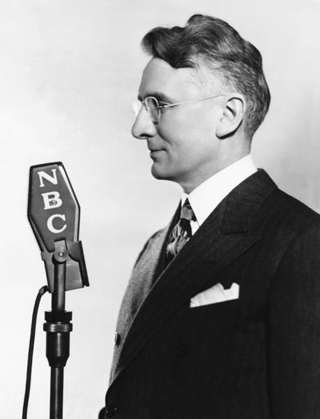 Nbc Photograph - Dale Carnegie by Underwood Archives