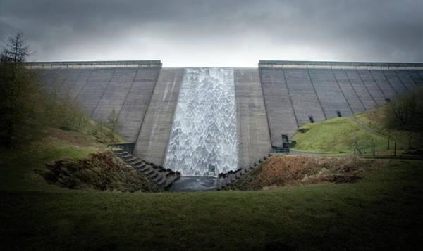 Wall Art - Photograph - Dam Spillway by Tim Vernon / Science Photo Library