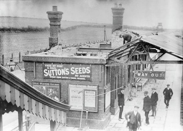 Station To Station Photograph - Damage Caused By Suffragettes by Library Of Congress/science Photo Library