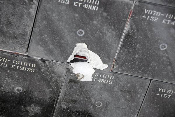 Endeavour Photograph - Damage To Space Shuttle Endeavour by Nasa/science Photo Library