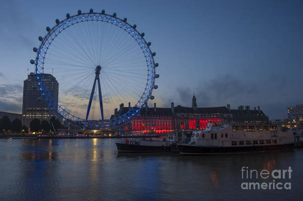 Wall Art - Photograph - Dawn Light At The London Eye by Donald Davis